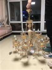卖二手高级吊灯,原价1500元,完好无损,高端大气上档次,灯泡可随意更换各种样式,价格便宜,可讲价,...