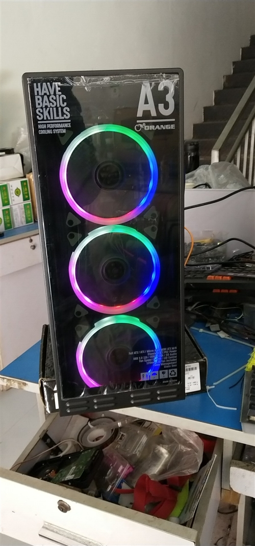 全新主机,三年质保。处理器锐龙2200g,8gDDR4/240内存,240g固态,显卡性能跟750/...