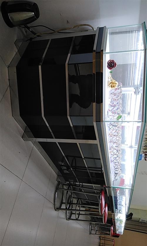 店面升级,珠宝柜台处理,进口灯带,实木柜体,还有6节,13854472158.柜台在义乌附近