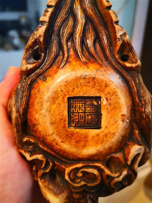 純石材茶壺,雕工精美,一塊石頭雕刻而成。轉賣有緣人,喜歡收藏的朋友看過來。