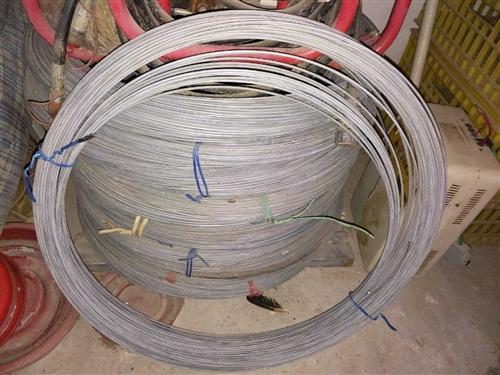 工程完工剩下镀锌钢丝8000米  5.0粗 有需要的老板可以联系  位置在  潢川县 本交易仅支持...