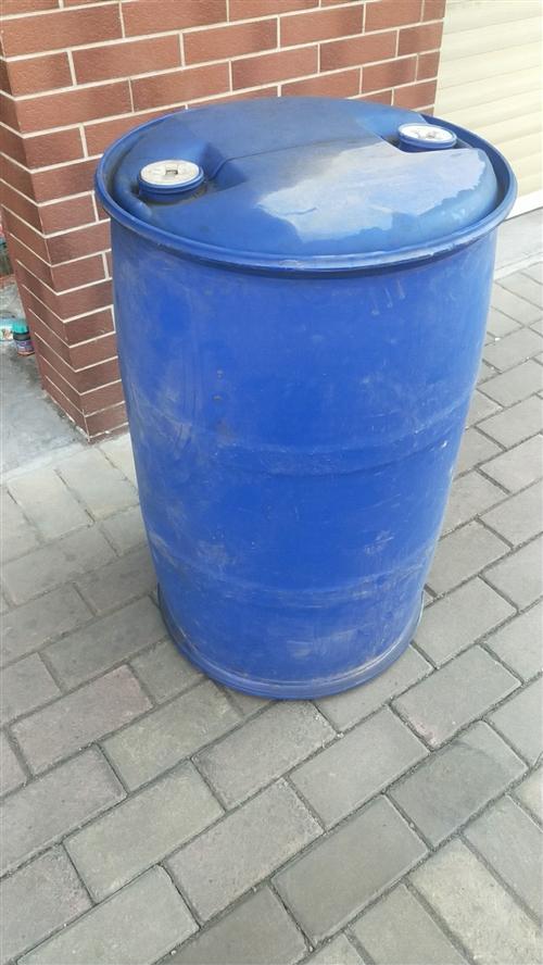 大量回收二手200升蓝桶!