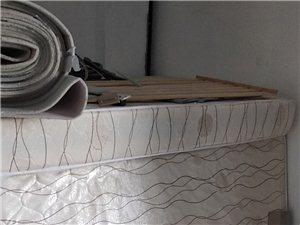 8成新1.2米弹簧床垫低价出售