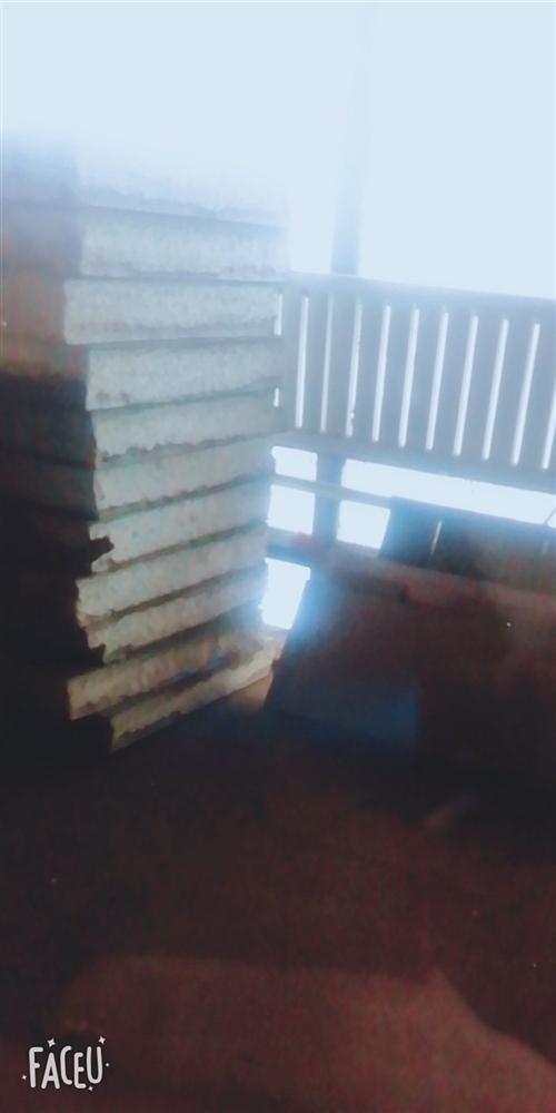 低价出售二手15cm厚双面夹铁保温板,共400平米