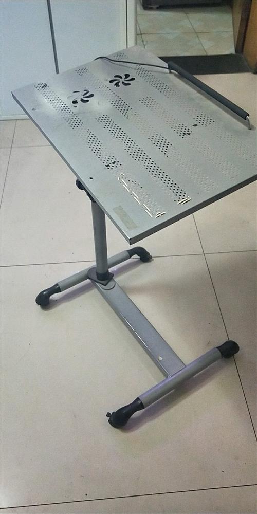 8成新電腦桌原價119特價59