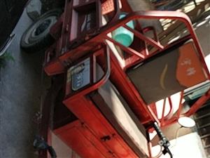 出售一台宇峰三轮车,无任何毛病,之前做餐饮买来采购,不经常开。原价4000,出售2000