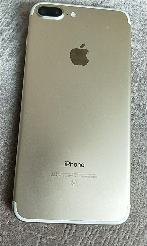苹果7plus国行128G金色,成色麻麻滋。