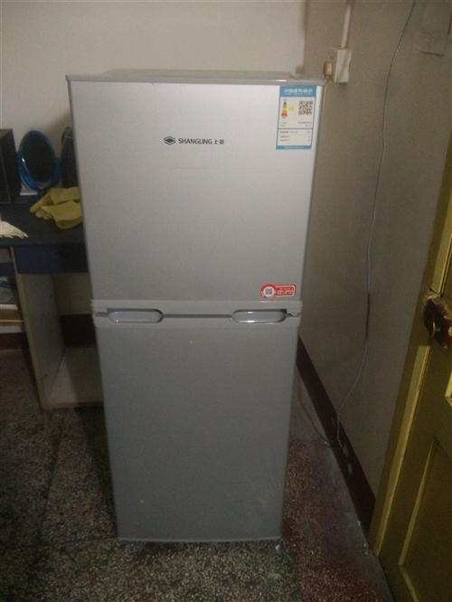 剛用了一個夏天的冰箱