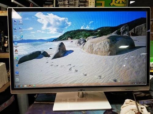 32寸显示器1920x1080p分辨率  VGA DVI高清线 带钢化玻璃膜,显示好。特价处理。适...