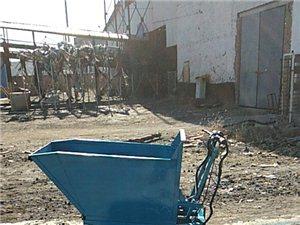 电动三轮翻斗上料车加工制作,适合小区装修上料上水泥沙子等材料,工人省力省时,上料速度快,可以进电梯。