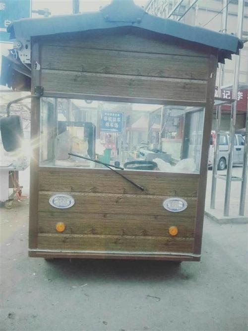 转让一辆移动式餐车,5块大电瓶,可做炸串,铁板烧,涮辣粉,胡辣汤等,另外一个麻辣烫小车,可去现场看车...