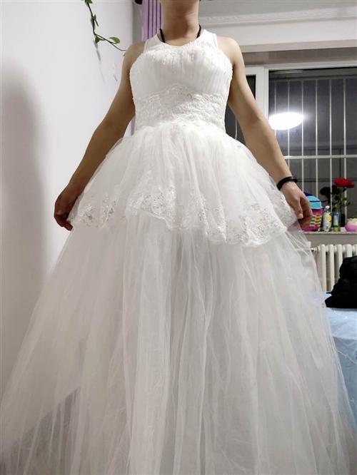 婚纱一件价格可议