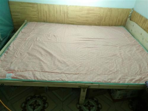 宝贝九成新 ,带一个床垫,需自提,在北大街红卫小学附近,价格可协商,需要的亲,可私聊,也可电话咨询。