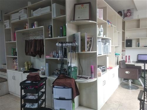 出售理发店东西,热水器,洗头床,空调,椅子等。。。价格面议