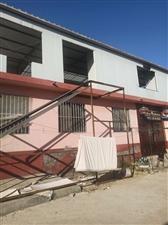 因房屋拆迁   现有钢板房出售   还有4?4角钢    价格美丽   先到先得