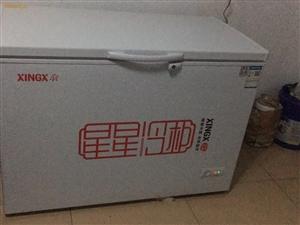 星星冷柜,容量305升,冷藏冷冻随意调换,9成新,900元低价转让