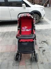 低价出售高端婴儿手推车 由于孩子现在大了用不上了一直闲置在我妈家仓房里了 车子还挺新的 没用多长时间...