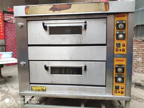 燃氣烤箱,烤盤,和面機,壓面機。有意者可聊。