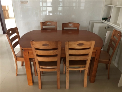 新家全新餐桌,媳妇不喜欢这个款式,一米五可折叠送六个椅子