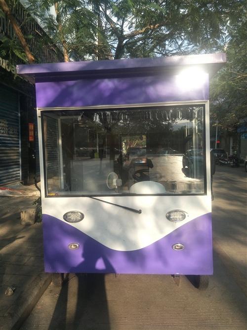 电动餐车低价出售,车身尺寸:长4米,宽1.7米,高2.4米,最大时速30马,自带电瓶逆变器(电瓶电压...