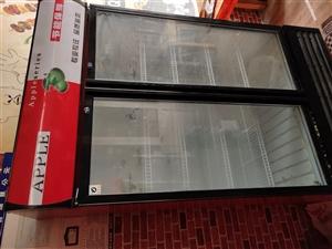 处理一批饭店设备   展示柜   冷藏操作柜   两张不锈钢桌   两张餐桌 抽油烟机  全部处理需...