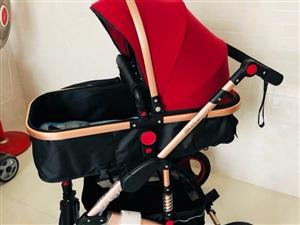 九九成新品牌婴儿车 几乎没怎么用过 一直放着 婴儿乘坐舒适 可坐可躺可转向 高景观 轻便透气