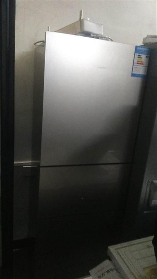 伊莱克斯三门冰箱16年中旬买的,850包送