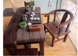 出售1.8 茶桌 5张凳子 龙水  价格面议