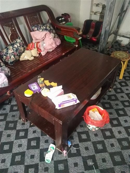 闲置旧家具 另外还有一个单人床 一个双人床 用不到了