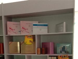 展示柜。美容院不开了   刚买的不到四个月,九九新