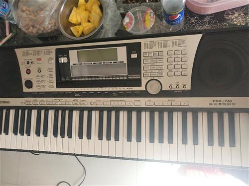 八成新雅馬哈740電子琴出售   有在行需要的聯系  看琴談價