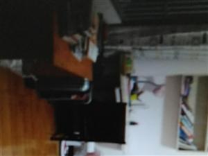 �r代大�BA��,3室2�d2�l。116.43平,中等�b修,地段好,房子好,�x�W校近,�物方便