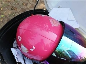 本玲摩托车,性能良好,平常下班开,现转让,原价3500,现价1000元,电话18789052946