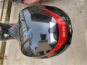 出售一个摩托车箱子,有中的请联系13118902436
