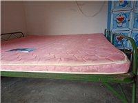 出售天然棕垫一床1.8米*2米,以前买的质量好得那种,因为搬家,现在低价出售,只需200元,城区可以...