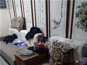 实木9成新沙发一组。