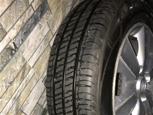 2016年上半年买的锦湖轮胎由于以前经常开着自己的小车上高速,备胎不是全尺寸所以就自己买了这个胎和轮...