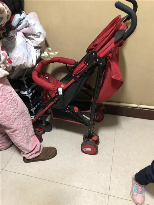 两台婴儿车、95成新、价格不高、主要是孩子大了 没地方放、需要的亲们可以快来看看吧!