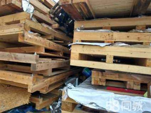 回收旧木材,地台板,家具厂废料