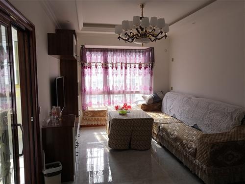 东城小区3房出租,租金2500/月,欢迎来电18384345443.