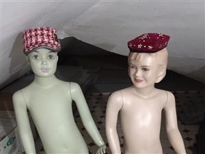 开童装店时用的模特,处理二个50元。
