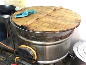 本人出售一台做淮南牛肉汤的锅灶,和一个双槽水池!使用三个多月,八成新!价格面议