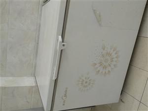 美的牌大冰箱,8成新�C�r良好有意者��系!