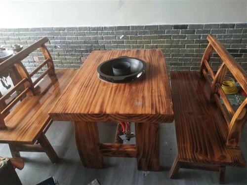 六整套火锅座椅加灶头,纯实木九成新,忍痛转让五百一张,有意者请联系我