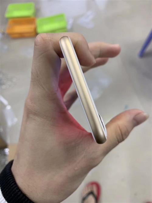 2600??金沙国际网上娱乐一台32G iPhone7 金色 纯进口 机器无任何暗病