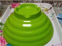 塑料大碗九寸的,准备开店用,后来也没有用上现在便宜处理,