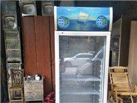 二手展柜,点菜柜,消毒柜,电煮桶,工作台冰箱,空调,平面展柜等等。