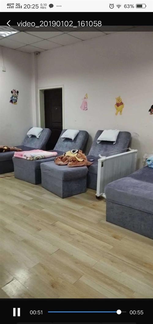 足浴床9成新一共五张。带凳子 因房租到期对外处理  120元一张 联系电话18003880229