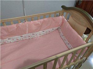 122*67*98因租房搬家现急转婴儿床一张,含五件套,蚊帐,凉席,床垫,奶瓶置物架。九九新,18年...