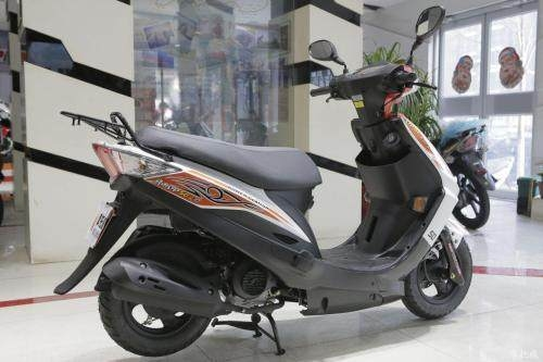 求購一輛二手輕便的摩托車,如你有閑置的話,請與我聯系